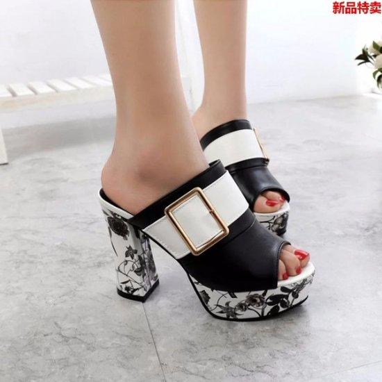 韓国靴・シューズ・サンダルのサンダル