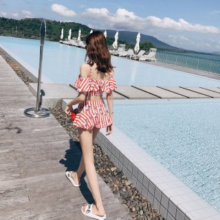 韓国水着❤フリルが可愛いストライプビキニ!レッドとブラックもあります!