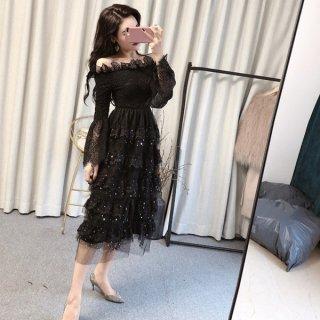 ワンピース❤韓国ドレス オフショルダーで星が入ったティアードスカートがとっても可愛い