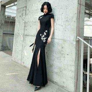 韓国ワンピース❤韓国パーティードレス 個性的な刺繍が目をひくロング丈ドレス 962751