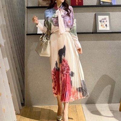 韓国セットアップ❤大きい花柄がエレガントなブラウスとプリーツスカートの可愛いツーピース 963051