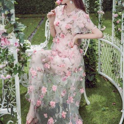 韓国ワンピース❤淡いピンカラーでフェミニンに 立体花モチーフ付きワンピース 963143