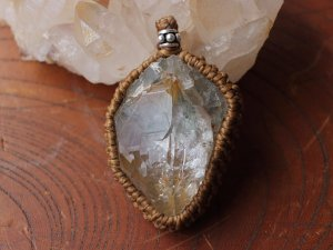 ヒマラヤ水晶ペンダント