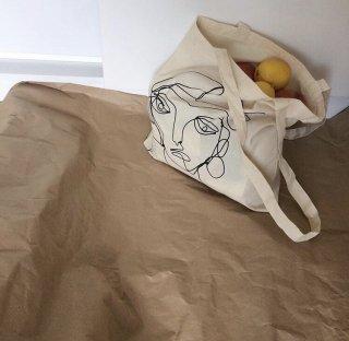 WHITE ARTWORK TOTE BAG