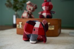 Elephant Check 20cm / 27cm<img class='new_mark_img2' src='https://img.shop-pro.jp/img/new/icons3.gif' style='border:none;display:inline;margin:0px;padding:0px;width:auto;' />
