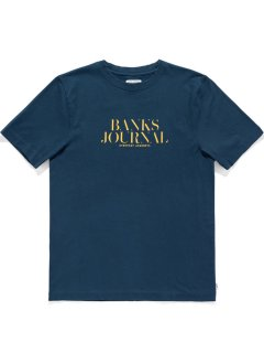 <img class='new_mark_img1' src='https://img.shop-pro.jp/img/new/icons13.gif' style='border:none;display:inline;margin:0px;padding:0px;width:auto;' />BANKS JOURNAL HEADING TRADER TEE SHIRT Insignia Blue
