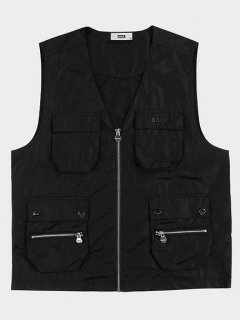 <img class='new_mark_img1' src='https://img.shop-pro.jp/img/new/icons15.gif' style='border:none;display:inline;margin:0px;padding:0px;width:auto;' />BALR. Cargo Pocket Straight Waistcoat