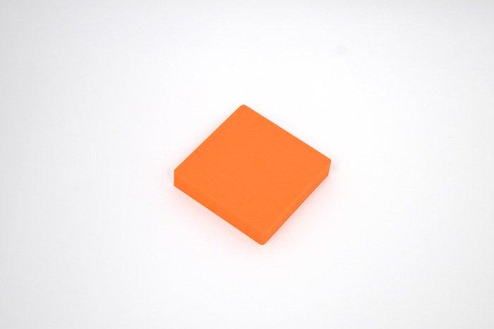 正方形 100mm×100mm×20mm オレンジ