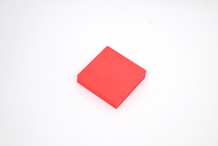 正方形 100mm×100mm×20mm レッド