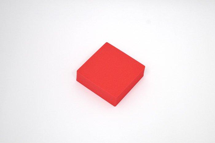 正方形 100mm×100mm×30mm レッド