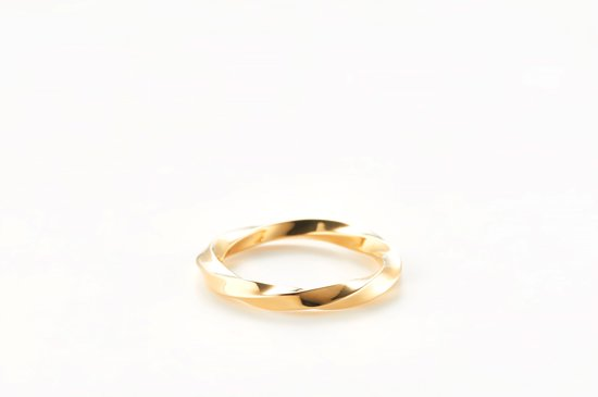 large running water crest ring