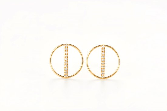 circle pierced earring with diamonds bar
