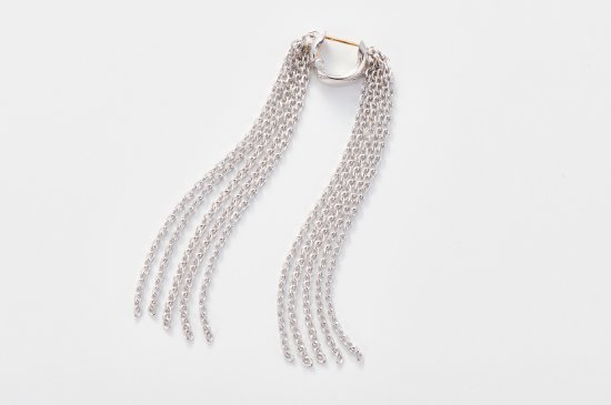 OPENABLE PIERCED EARRING WITH SHORT FRINGE CHAIN