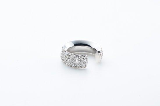 ROUND TYPE EARCUFF WITH PAVE DIAMONDS