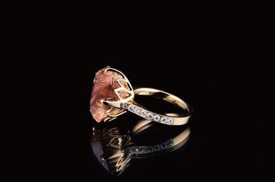 LARGE FLORAL RING WITH SCHILLER OREGON SUNSTONE