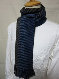 <img class='new_mark_img1' src='https://img.shop-pro.jp/img/new/icons43.gif' style='border:none;display:inline;margin:0px;padding:0px;width:auto;' />Dapper's  Russell Knitting Woolen Scarf by V.FRAAS LOT1212  BLUE