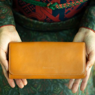 〈完売〉上質なヌメ革のかぶせ蓋長財布 マスタード(レザー 牛ヌメ革)