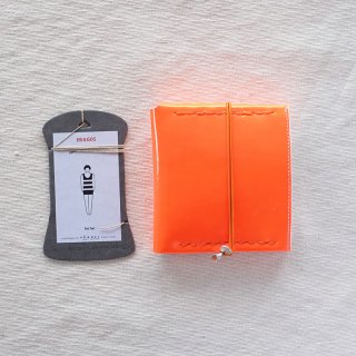 [eb.a.gos] エバゴス 二つ折りサイフ(ガラス)蛍光オレンジ