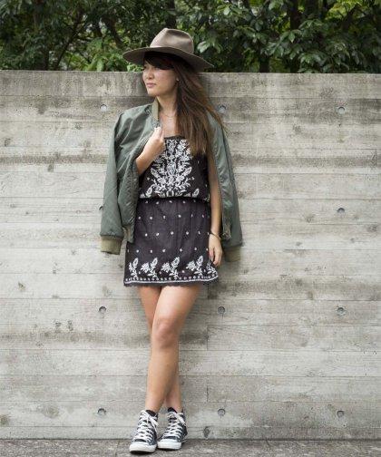 【LADIES】STAR MELA Embroidery Dress / ベアトップ ブラックワンピース