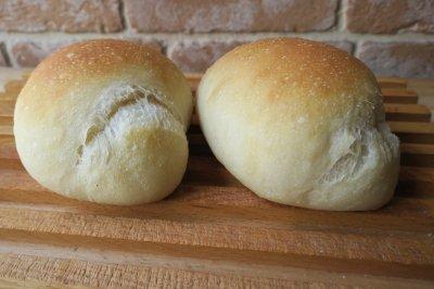 プレーンロール(2個)【 焼きたてパン[常温]】