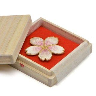 刺繍背守り 桜 <満開>