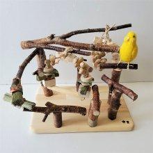 止まり木のアスレチック