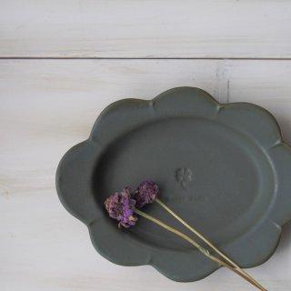 マカロンモスグリーン・花だえんリム皿-大-