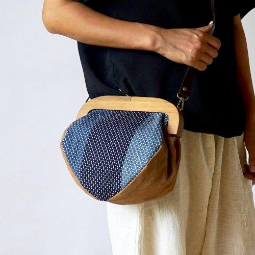 木製 クラッチバッグ/カツオ ストラップ付き/遠州織物 刺し子織藍先染め
