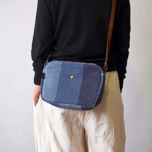 シンプルショルダーバッグ/インディゴ刺し子織/遠州織物