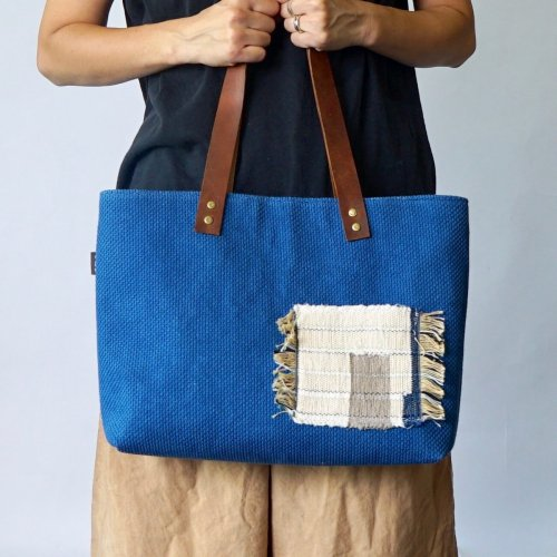 裂織りポケットトートバッグ/インディゴ/三河木綿刺し子織
