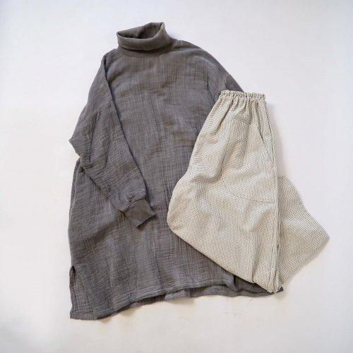 【福袋】タートルネックワンピース6重ガーゼ/グレー + 一本刺し子 バルーンパンツ/生成り