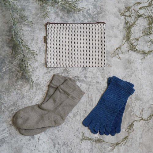 【母の日ギフト3点セット】通年楽しめる草木染めソックス2足&小物入れポーチ