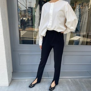 <img class='new_mark_img1' src='https://img.shop-pro.jp/img/new/icons11.gif' style='border:none;display:inline;margin:0px;padding:0px;width:auto;' />front slit pants