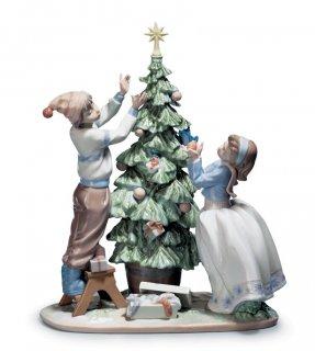 リヤドロ Lladro 【 ツリーを飾ろう 】  01005897 TRIMMING THE TREE