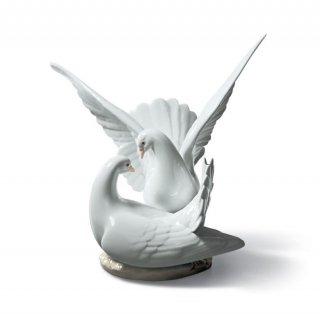 リヤドロ 人形  『平和の鳩  01006291 LOVE NEST』