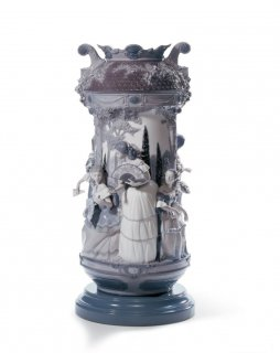 リヤドロ 人形  『淑女の庭(花瓶・グレー・RE-DECO)  01007033 LADIES IN THE GARDEN VASE-GREY (RE-DECO)』
