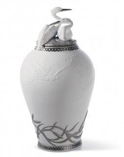 リヤドロ Lladro 【 サギの王国 花瓶(RE-DECO) 】  01007052 HERONS' REALM COVERED VASE (RE-DECO)