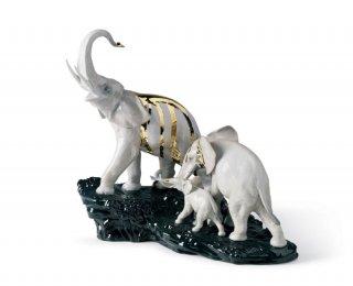 リヤドロ Lladro 【 象の行進(黒い石) 】  01007235 CELEBRATION - ELEPHANTS ON BLACK ROCK