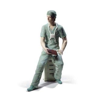 リヤドロ 人形  『外科医  01008657 SURGEON』