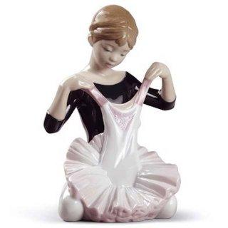 リヤドロ Lladro 【 デビューの衣装 】  01008771 MY DEBUT DRESS