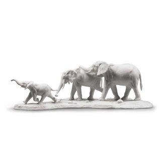 リヤドロ 人形  『ついて行くよ(White)  01009295 We Follow in Your Steps Elephants Sculpture. White』
