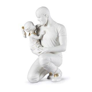 リヤドロ Lladro 【 父の腕の中で (White-Gold) 】  01009392 IN DADDY'S ARMS FIGURINE. WHITE & GOLD LLADRO