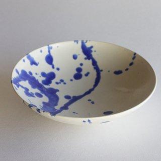 竹村良訓作 白に青い飛ばし模様の皿