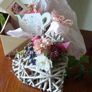 ギフトボックス フレンチハートM(カーネ&アネモネ)紅茶