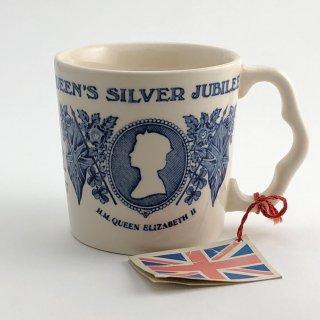 A-001 ER  Coronation cup mug Queen Elizabeth Jubilee celebration