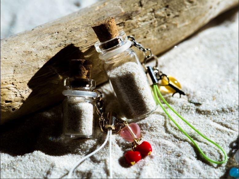 ミニコルクびんの活用(貝殻&砂アクセサリーなど)