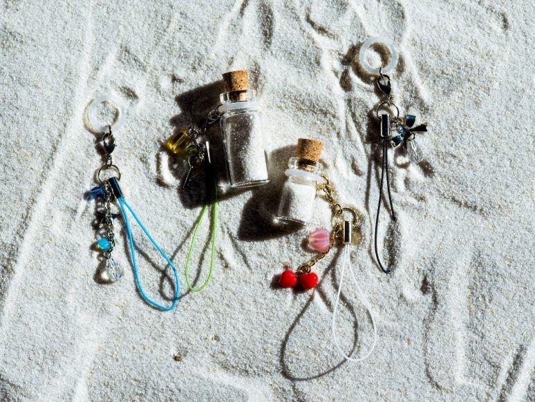 ミニコルクびんの活用(貝殻&砂アクセサリーなど)【画像2】