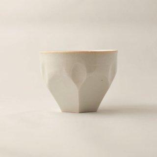 白磁 亀甲小鉢(ロックカップ)  [竹内玄太郎]