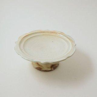 彫刻コンポート皿 13センチ 鉄散(粉引)  [古谷浩一]
