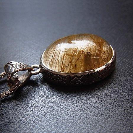ヒマラヤ水晶ペンダント Amphibole Gold